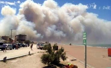Otros focos de fuego complican algunas playas