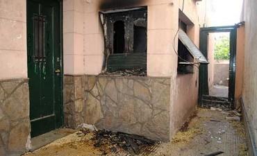 Cuatro incendios: dos de vivienda, uno de un quincho y otro de rastrojos