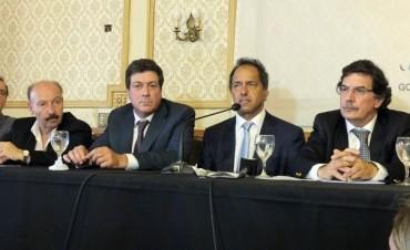 """Scioli y Mariotto presentaron el """"Calendario 2014"""" de los Centros de Desarrollo Universitarios Regionales"""