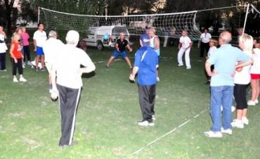 Torneo de voley adaptado en Base Bonino