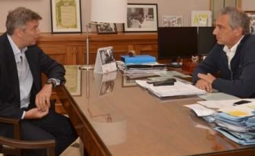 En campaña: Eseverri celebró la incorporación de dos dirigentes al Frente Renovador