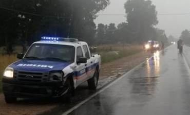 Choque entre un patrullero y un automóvil en ruta 51, en Azul