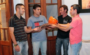 González Hueso entregó importante maquinaria para microemprendimiento