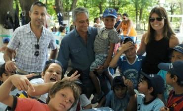 Eseverri visitó a los chicos de los Centros de Día