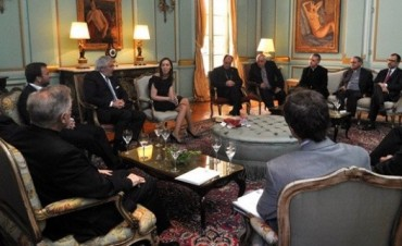 El Obispo Salaberry en encuentro con la Gobernadora