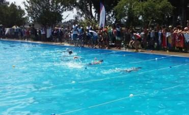 Exitoso primer encuentro de natación del año