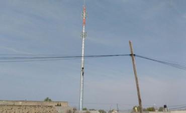 Torre de Avenida Alberdi: el municipio podría desmontarla