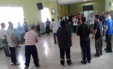 Actividades de verano en la escuela para detenidos en la Unidad Nº2