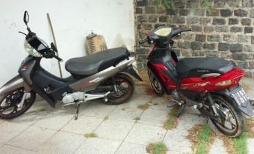Secuestran dos motos robados