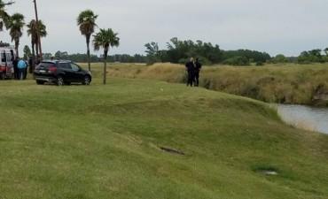 Cayó un auto al arroyo Tapalqué: dos muertos