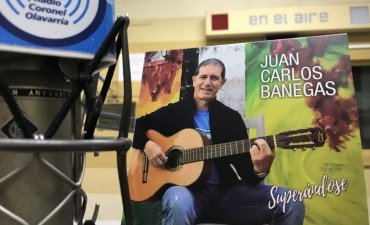 Juan Carlos Banegas presentó un nuevo material discográfico
