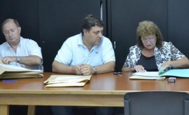 Julio Frías encabezó la apertura de la licitación para reparación de losas de hormigón en el PIO