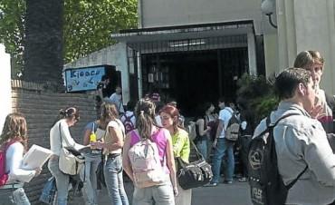 Provincia reglamentó Ley que promueve la creación de centros de estudiantes