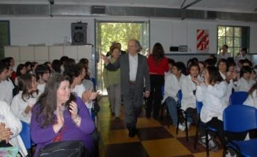 """Llamado a Selección para cubrir cargo de Profesor en la Escuela Nacional """"Adolfo Pérez Esquivel""""  dependiente de la U.N.C.P.B.A."""