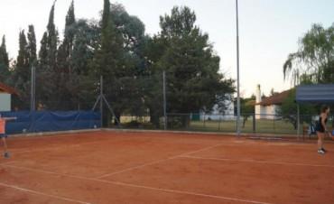 Tenis. Torneo por equipos en La Pedrera