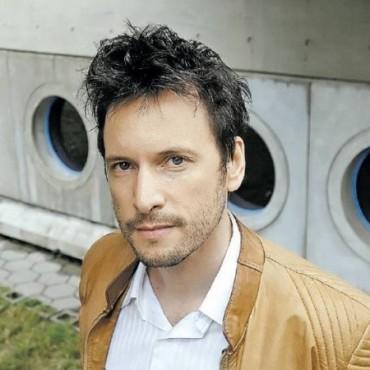 """Esta noche Olavarría """"Gira y Tiembla"""" con Antonio Birabent"""