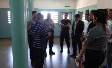 El abogado Alberto Sarlo visitó la Unidad 38