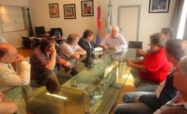 Más voces a favor de la derogación de la ley que regula el personal municipal