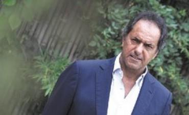 """Scioli pide mirar """"para adelante"""", tras el conflicto docente"""