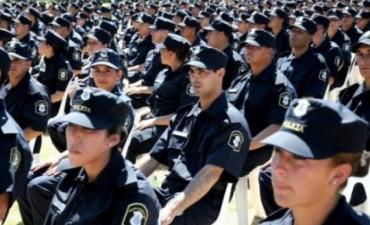 Piden por el destino de trece efectivos de policía