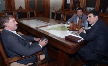 Azul: Omar Duclos se reunió con el intendente Bertellys
