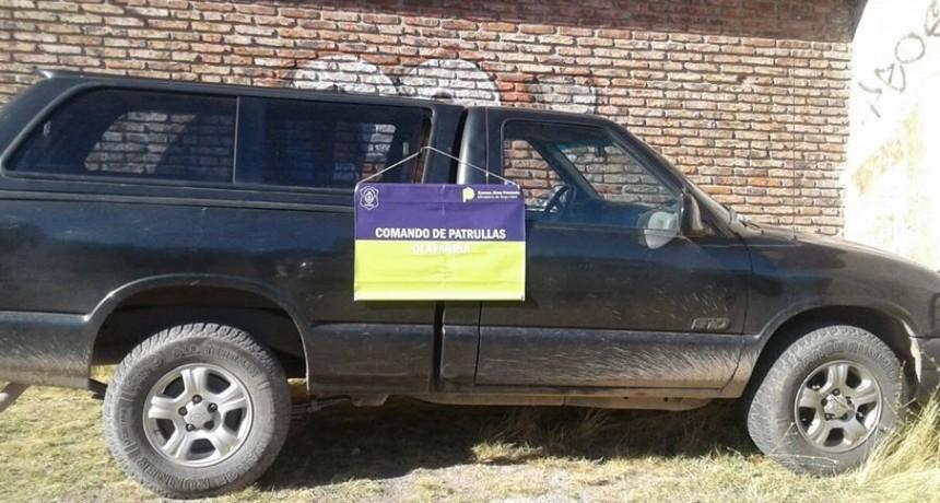 Recuperan una camioneta robada