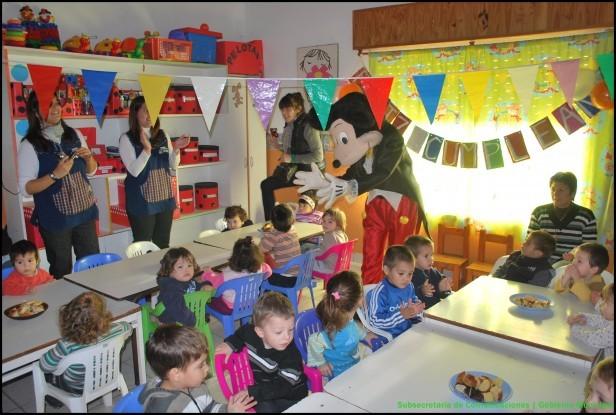 Vacantes en los jardines maternales municipales for Juegos para nios jardin de infantes