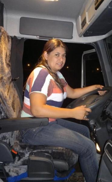 Una mujer transportista