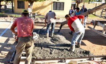 Avanza la obra de pavimentación en el Barrio Dorrego