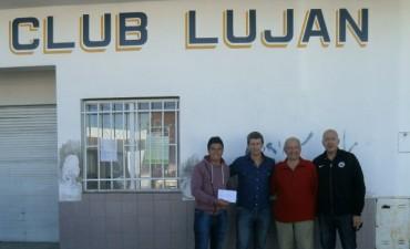Gonzalo Bagú entregó un subsidio al club Luján