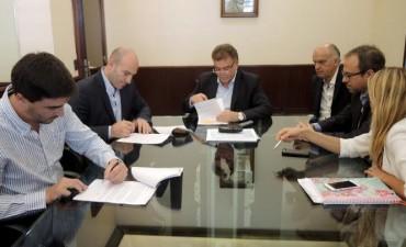 Galli firmó un convenio para realizar una intervención en el barrio El Progreso