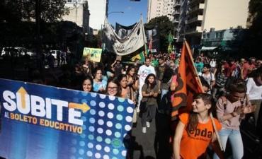 Boleto estudiantil provincial: Vidal quiere una nueva ley
