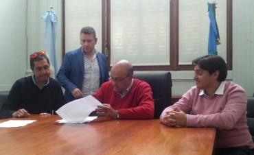 Se firmó el acta de pre acuerdo de paritarias 2016 para municipales 31% desde 1ºMayo