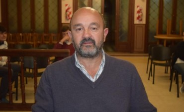 """Gerardo Ripoll: """"No solo no se le pega los docentes, no se le pega a ningún trabajador"""""""