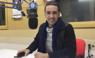 Javier Anibal pasó por los estudios de Radio Olavarría