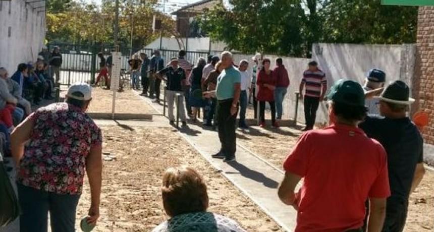 Torneo de Tejo en el Barrio CECO