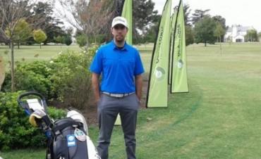 José Francisco Melo manda en los primeros 18 hoyos por el Campeonato del Club