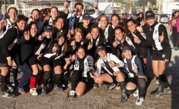 Estudiantes se adjudicó la Copa CAE en softbol