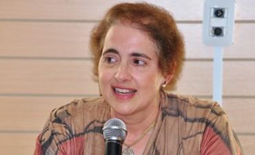 Docente de la FACSO disertó en París en la mesa redonda de la UNESCO