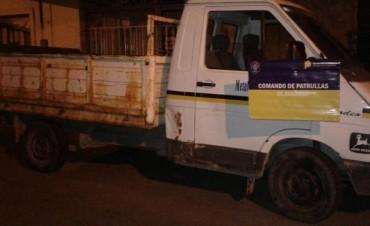 Un hombre sustrajo un vehiculo y provocó destrozos