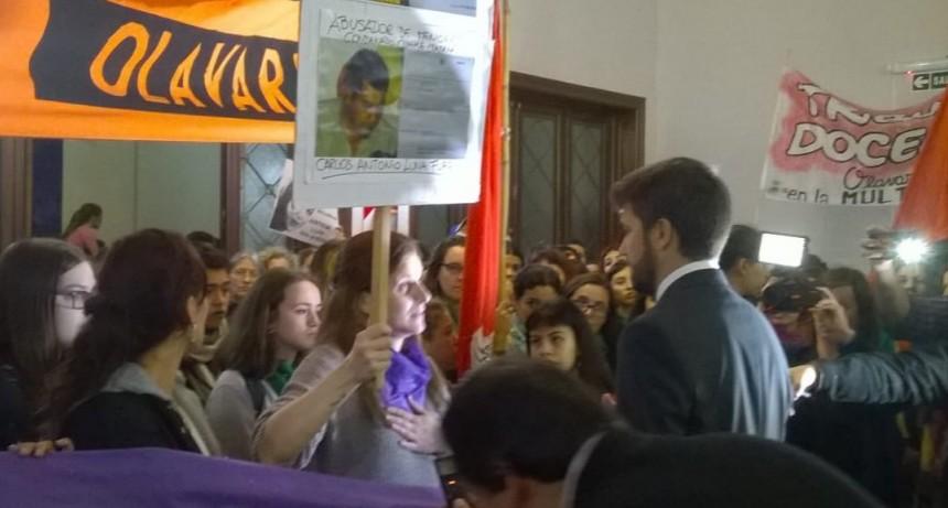 La marcha por femicidio se visibilizó en la sesión del Concejo