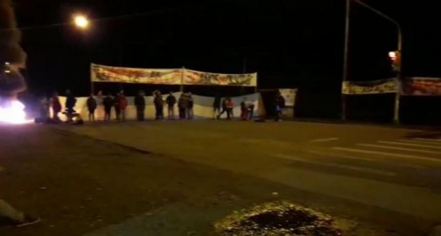 Nueva protesta de vecinos de Barrio AOMA