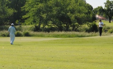 Golf. Raúl Bide ganó los 9 hoyos en Estudiantes