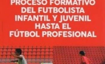 Presentan un libro sobre la formación del futbolista desde la niñez