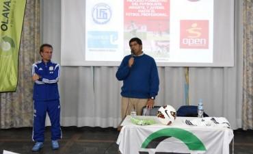 Presentación del libro sobre el proceso formativo del futbolista infanto – juvenil