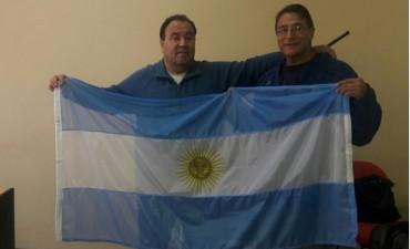 Latorre entregó una bandera