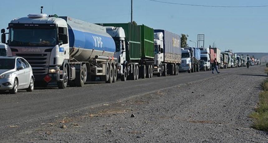 Alto acatamiento de movilización de camiones este jueves en 51 y 226