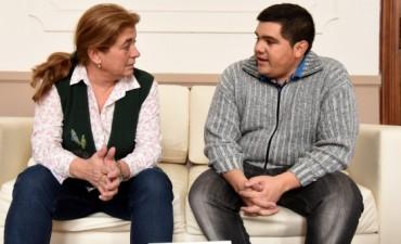 Arregui entregó subsidios a la Sociedad de Fomento de Villa Mailín y al Grupo de Scout Rey de Reyes