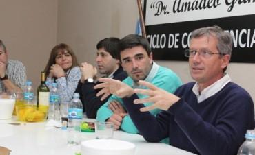 Emilio Monzó en Olavarría: 'El que vote a Daniel Scioli, está votando a La Cámpora'