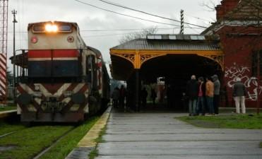 Alerta y sesión permanente por la suspensión de Ferrobaires
